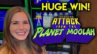 Huge Win! Invaders Attack From The Planet Moolah! First Ever On An Invaders From Planet Moolah Slot!