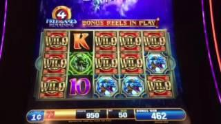 Dragon Spin Slot Machine Raining Wilds Bonus New York Casino Las Vegas