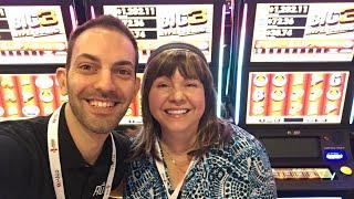 LIVE at G2E  w/ IT - Incredible Technologies  Las Vegas Slot Machine Pokies