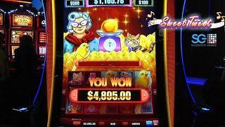 Drop & Lock Sweet Tweet Slot Machine from Scientific Games