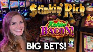 High Limit Action! Stinkin Rich and Rakin Bacon Slot Machines!
